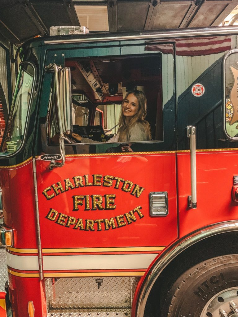 Charleston Fire Car mit Bloggerin Raffaela