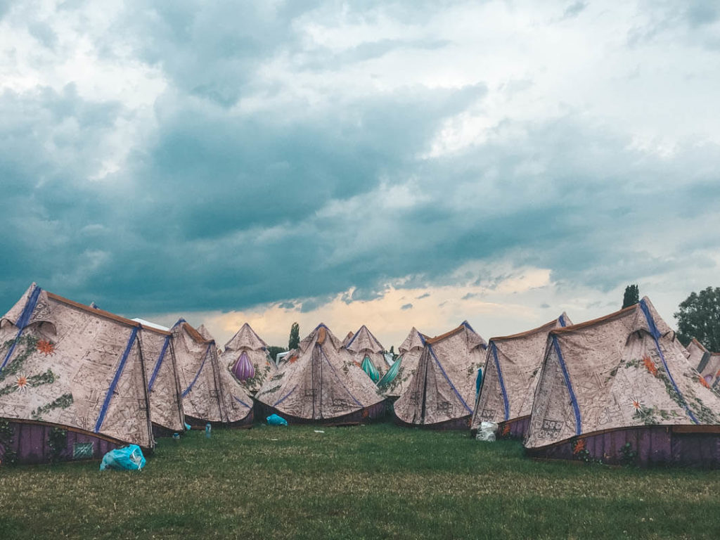 Tomorrowland Zelte